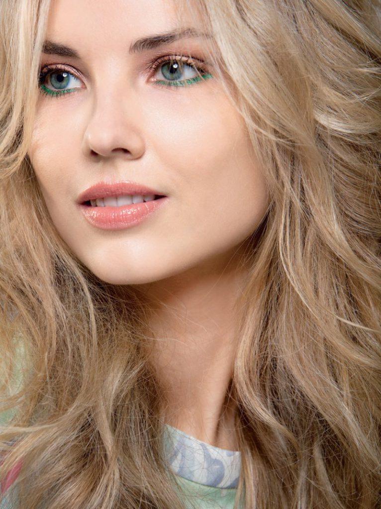 Красивый натуральный блонд и макияж