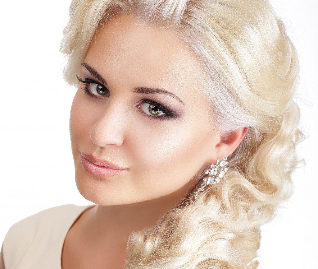 Яркий блонд