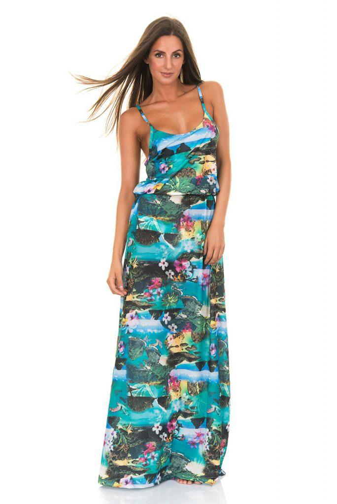 Пестрое пляжное платье в пол