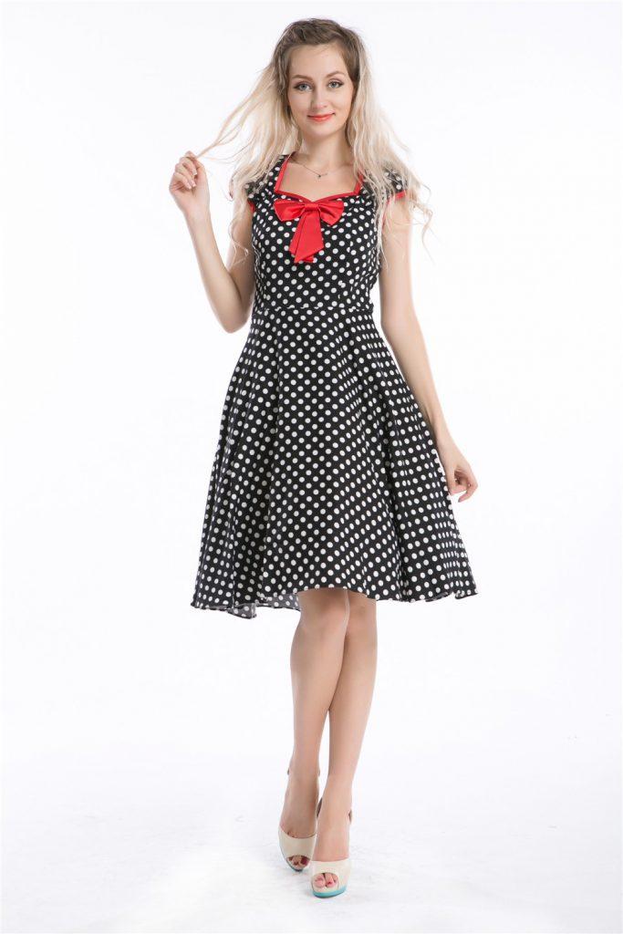 Платье в горошек в стиле 50 годов