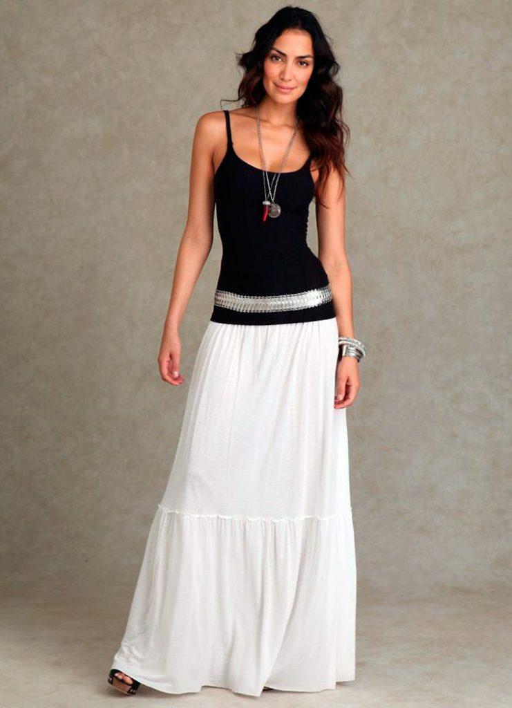 Белая юбка в пол с черным верхом