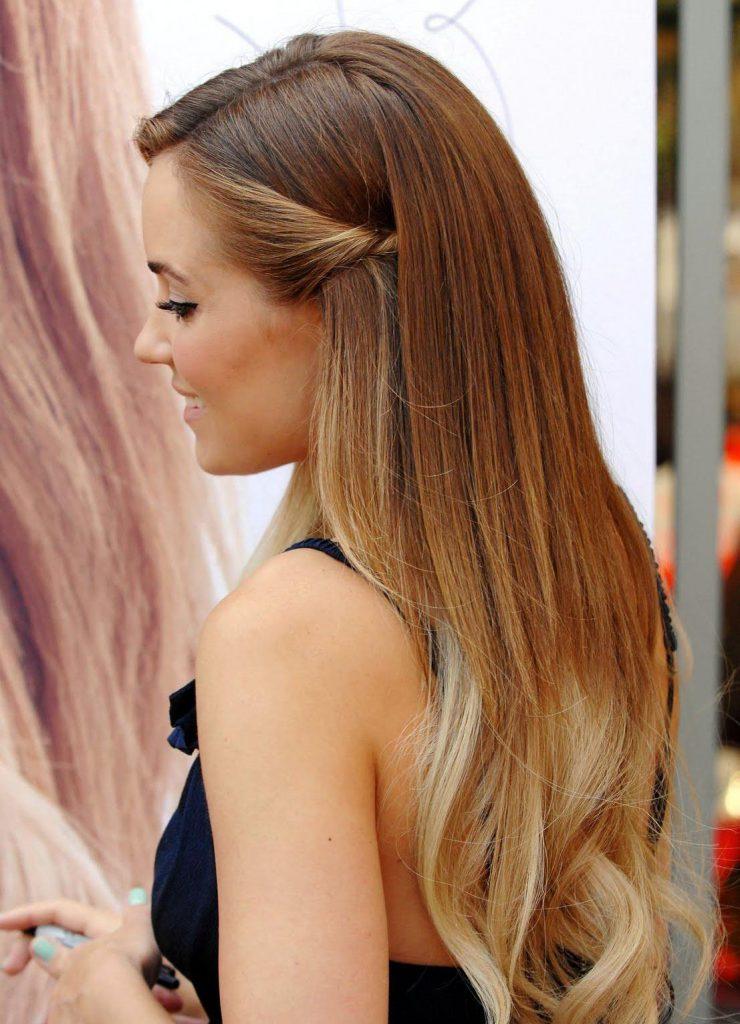 Длинные русые волосы с омбре