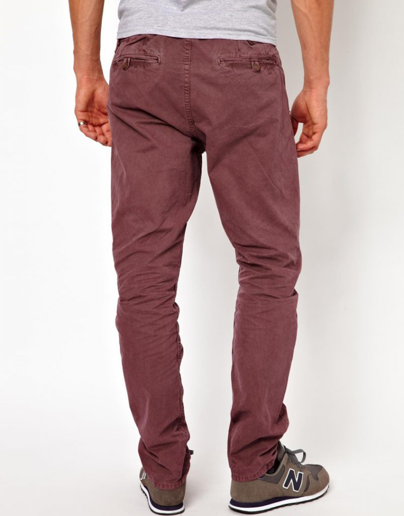 С чем носить бордовые мужские брюки