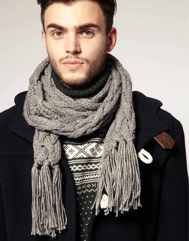 Стильный серый мужской шарф