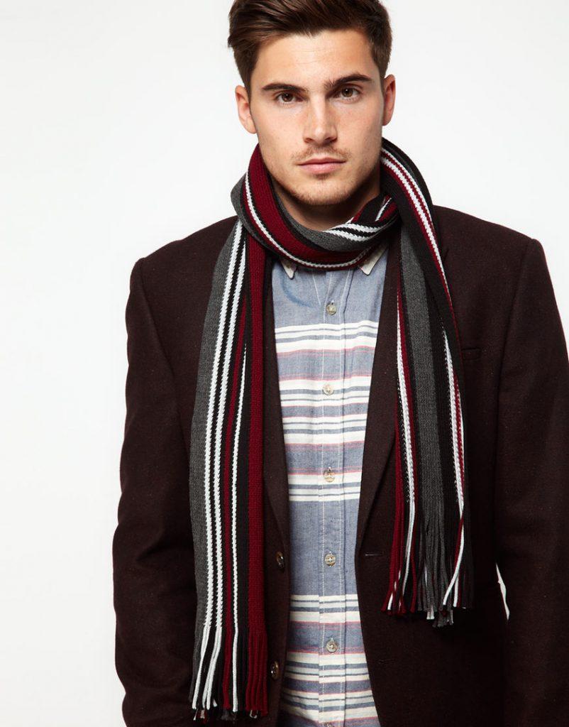 Спортивный мужской шарф в полоску