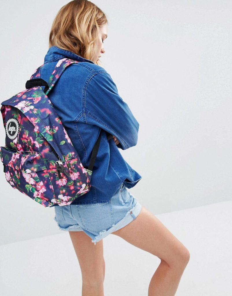 Синий рюкзак с цветочным принтом