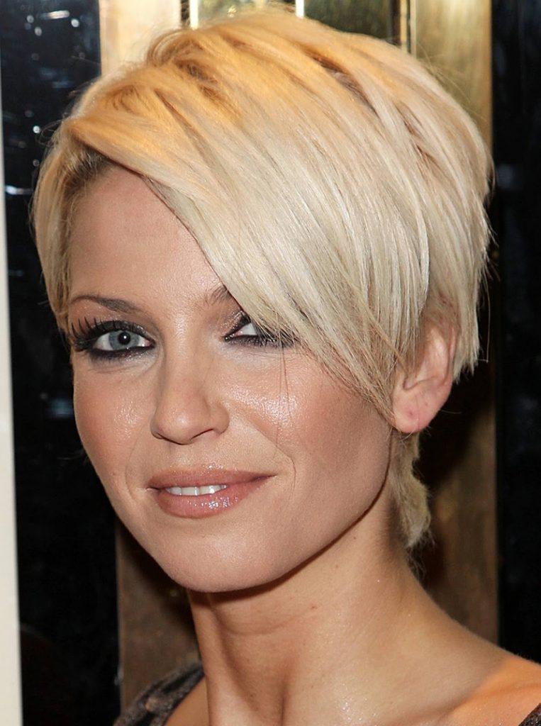 Короткая стрижка на тонкие волосы для круглого лица