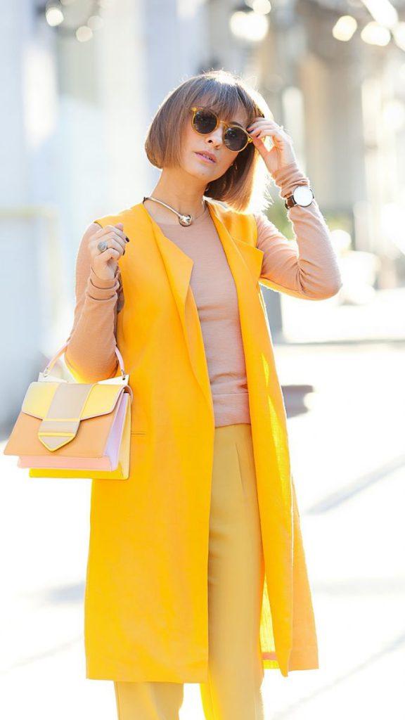 Монохромный желтый наряд