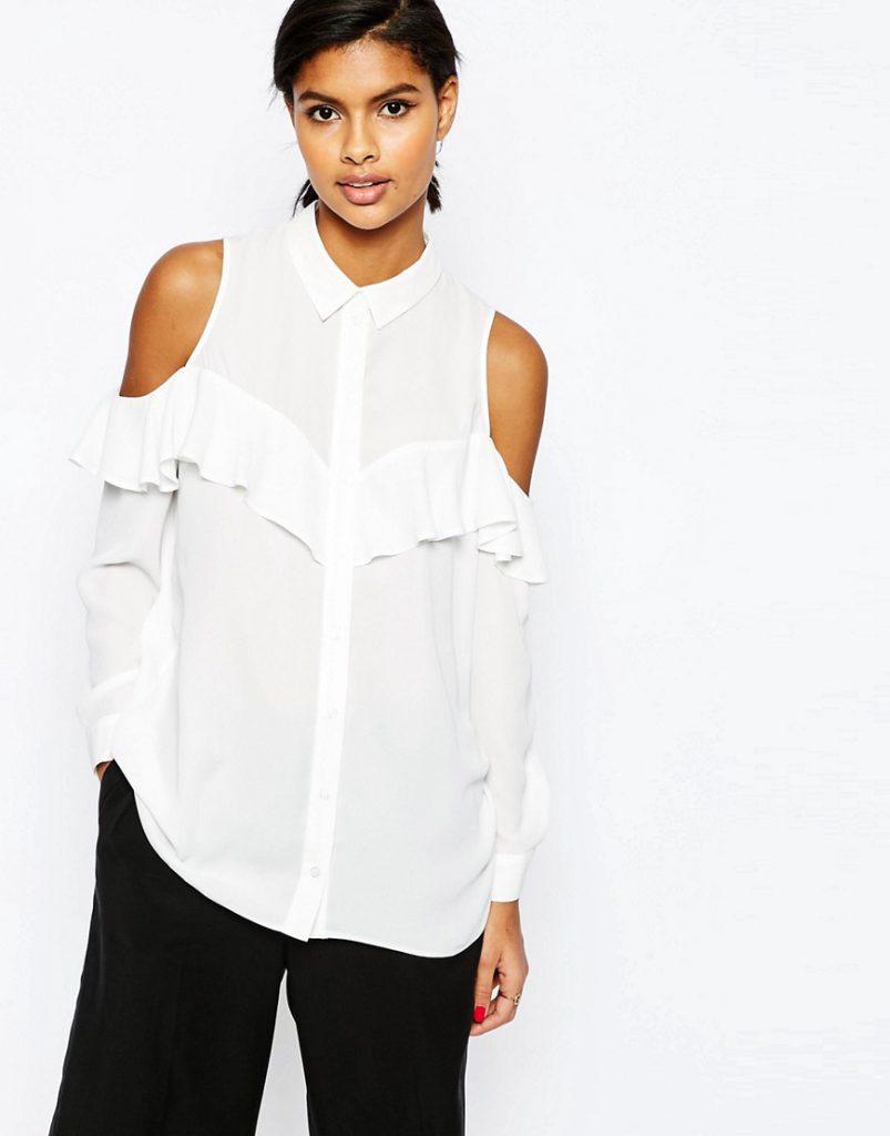 Белая длинная блузка с открытыми плечами