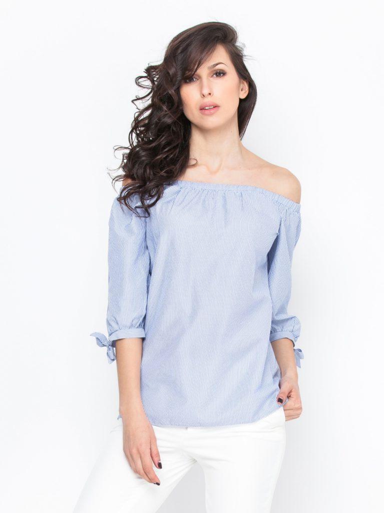 Полосатая блузка с открытыми плечами
