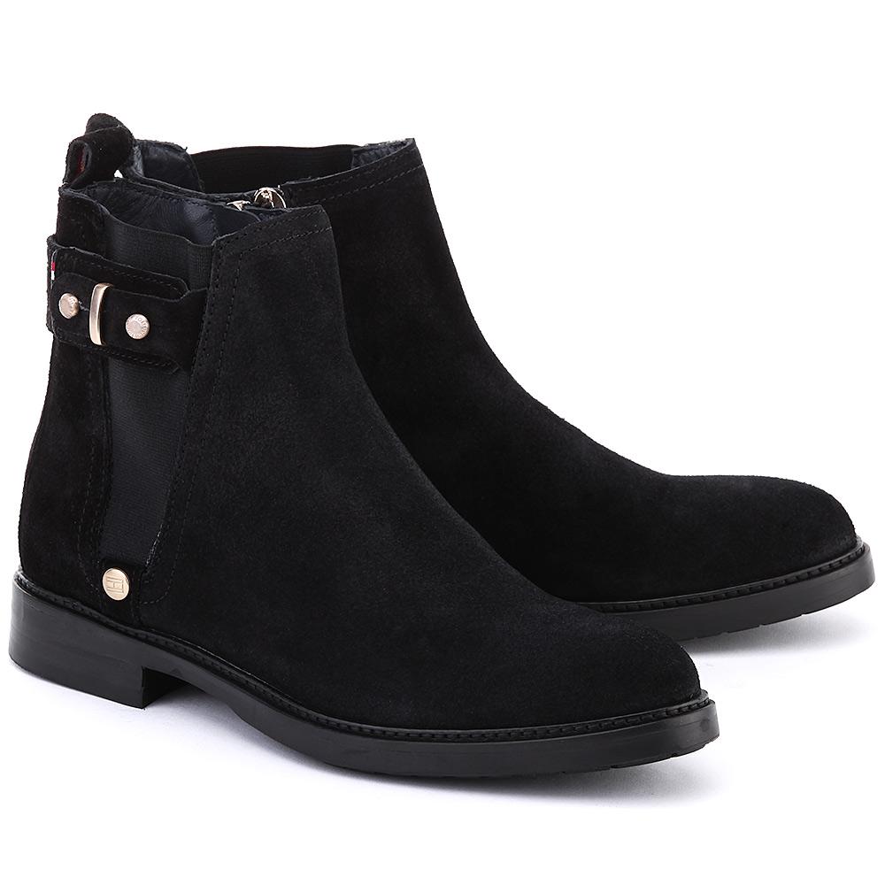 Черные замшевые женские ботинки на плоской подошве
