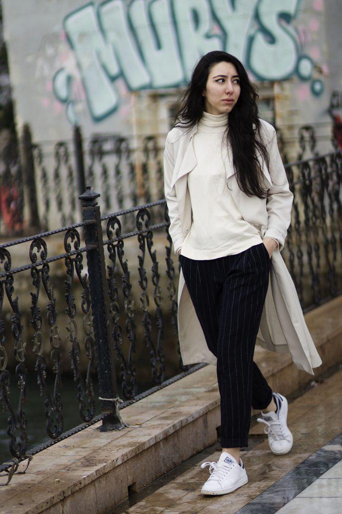Черные классические брюки в узкую полоску