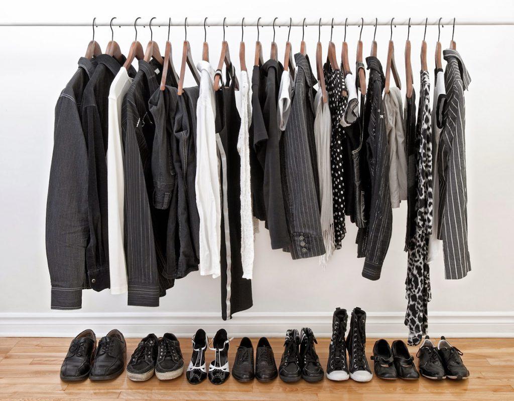 Как правильно носить и сочетать черный цвет в одежде