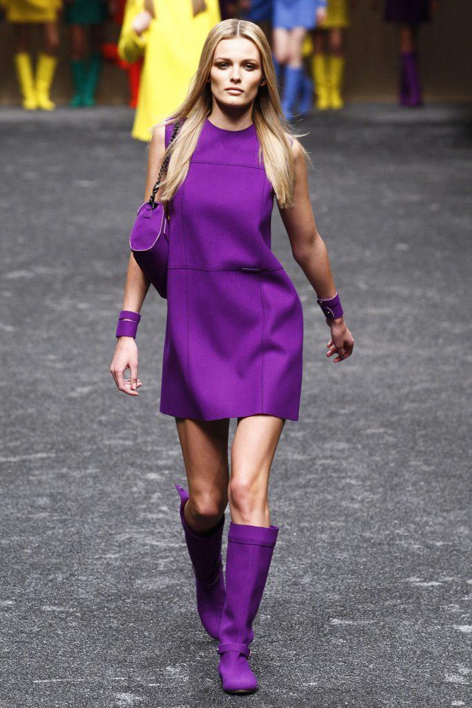 Фиолетовый женский образ