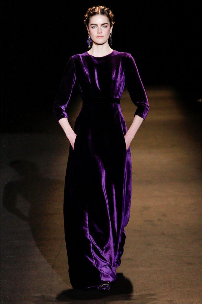 Вечернее фиолетовое бархатное платье