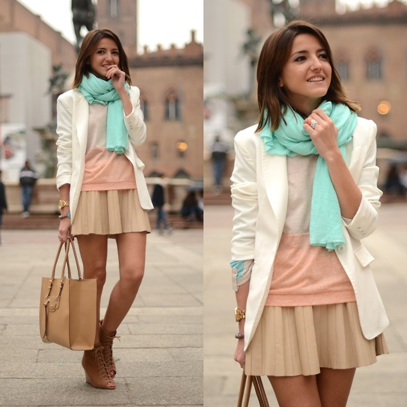 Мятный и песочные цвета в одежде