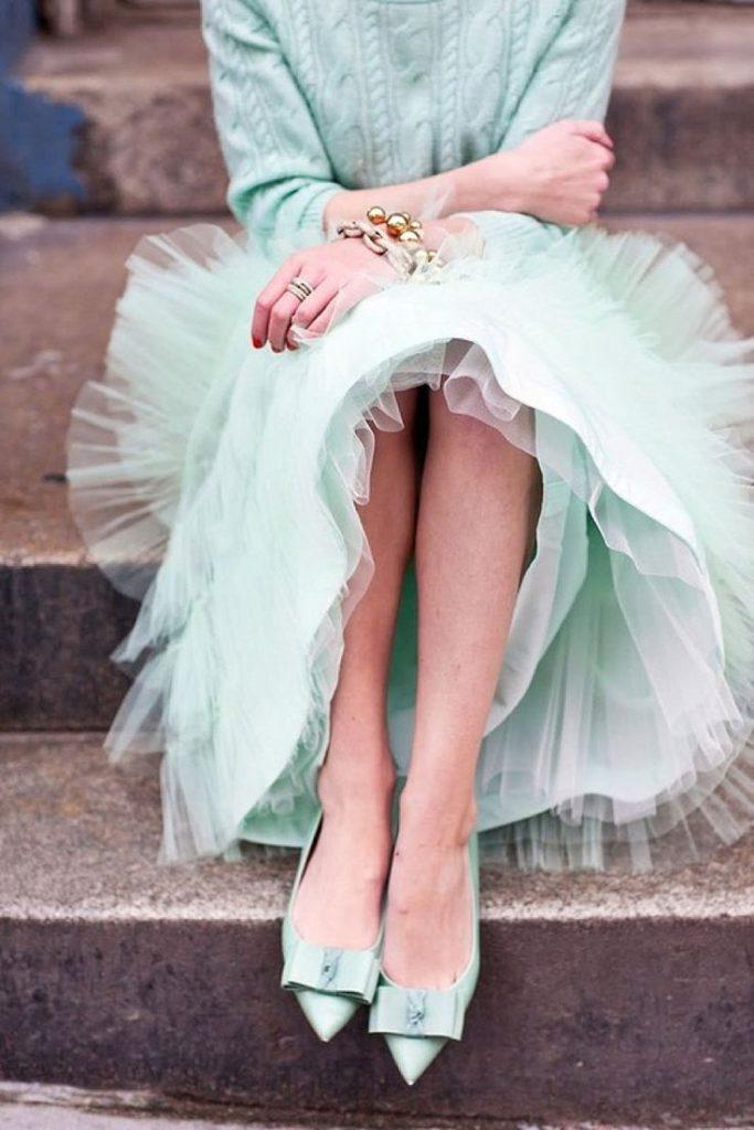 Мятный цвет в женском луке