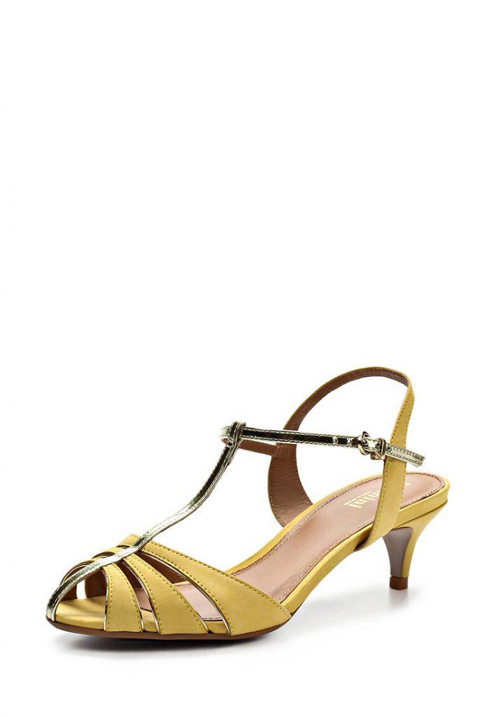 Желтые туфли для женщин после 50 лет