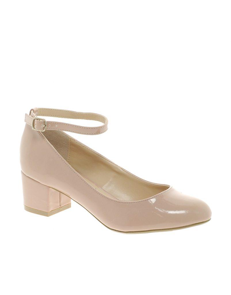 Бежевые туфли для женщин после 50 лет