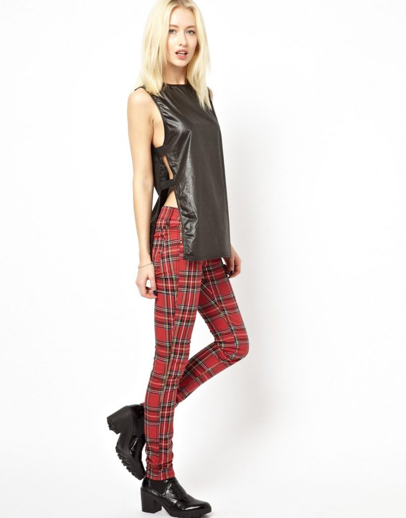 Красные клетчатые брюки с черным верхом