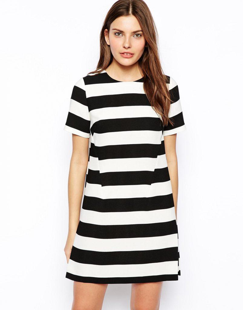 Короткое платье в горизонтальную полоску
