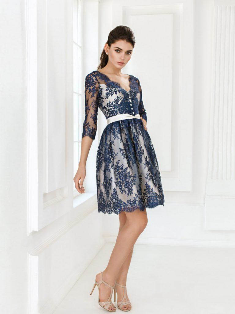 Сине-белое платье на выпускной