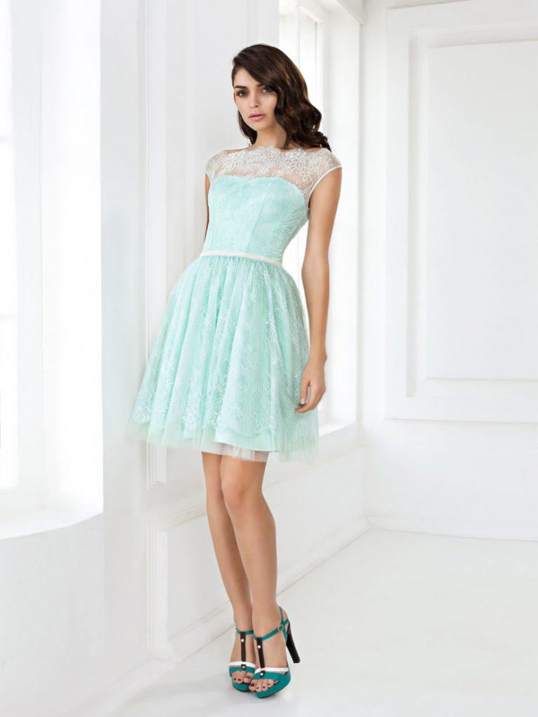 Кружевное мятное платье на выпускной