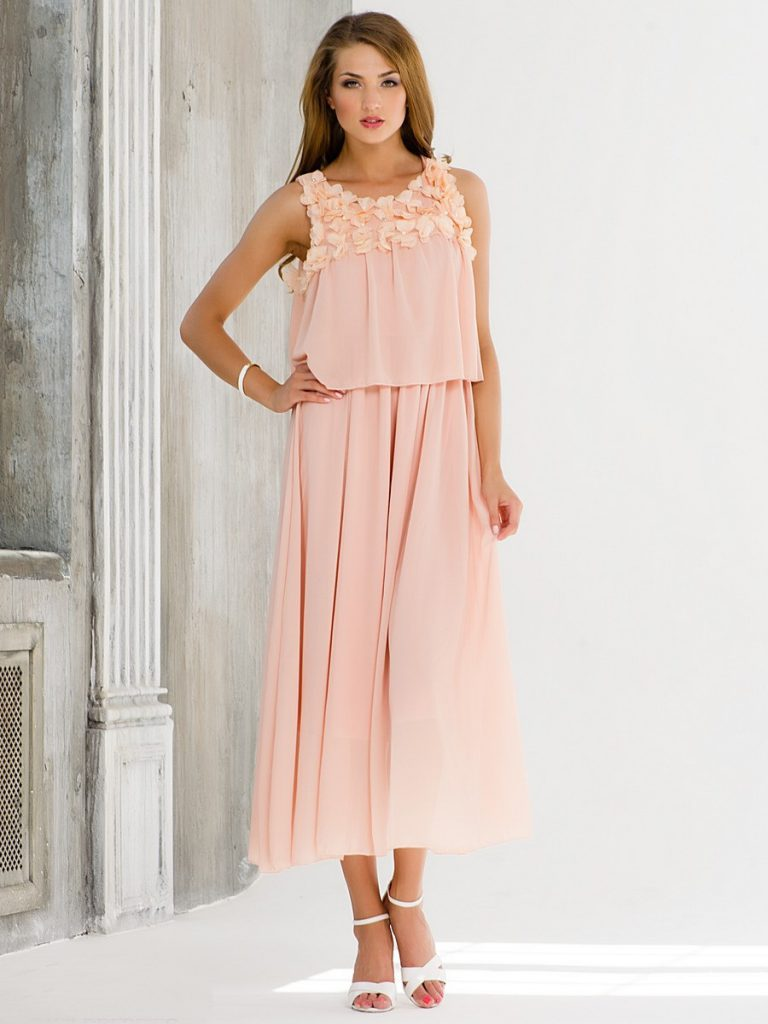 Платье цвета чайной розы