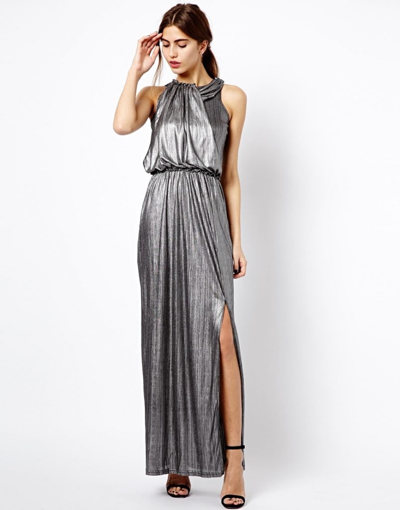 Длинное серебристое платье