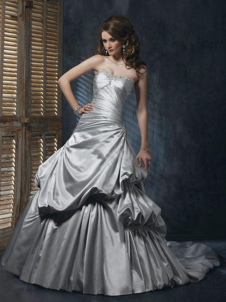 Пышное свадебное серебристое платье