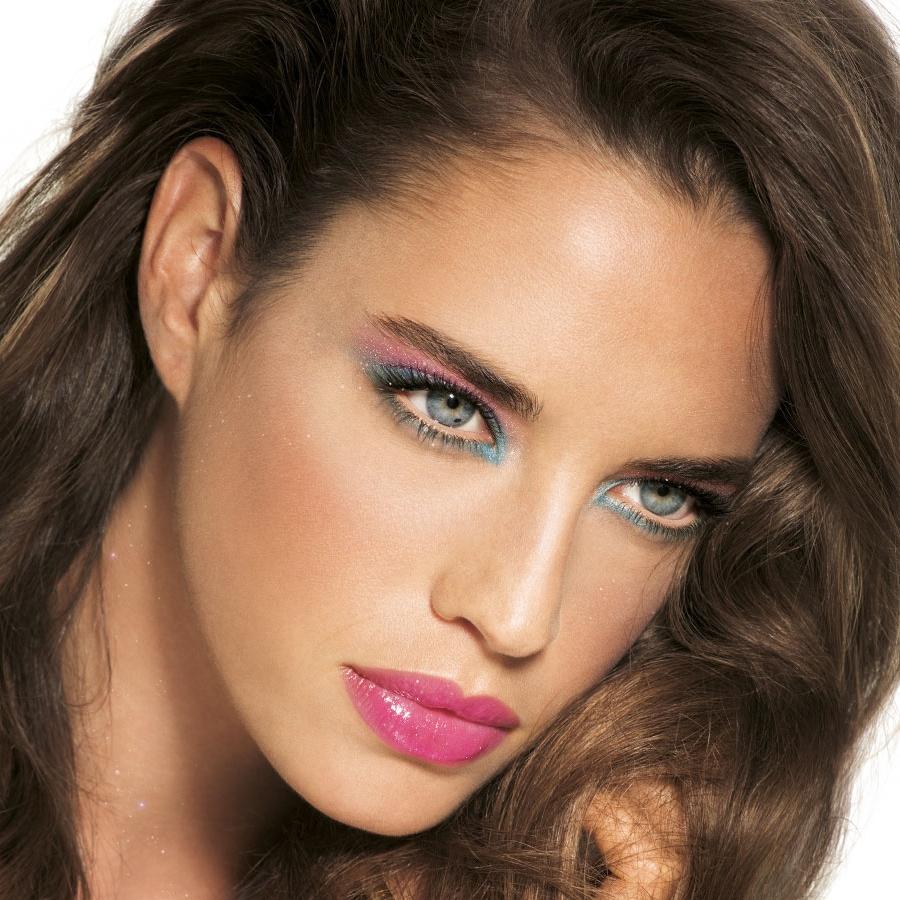 Светло-сливовый макияж