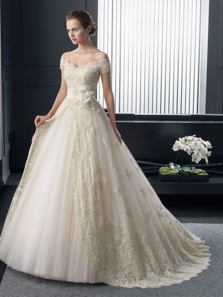 Пучок к свадебному платью