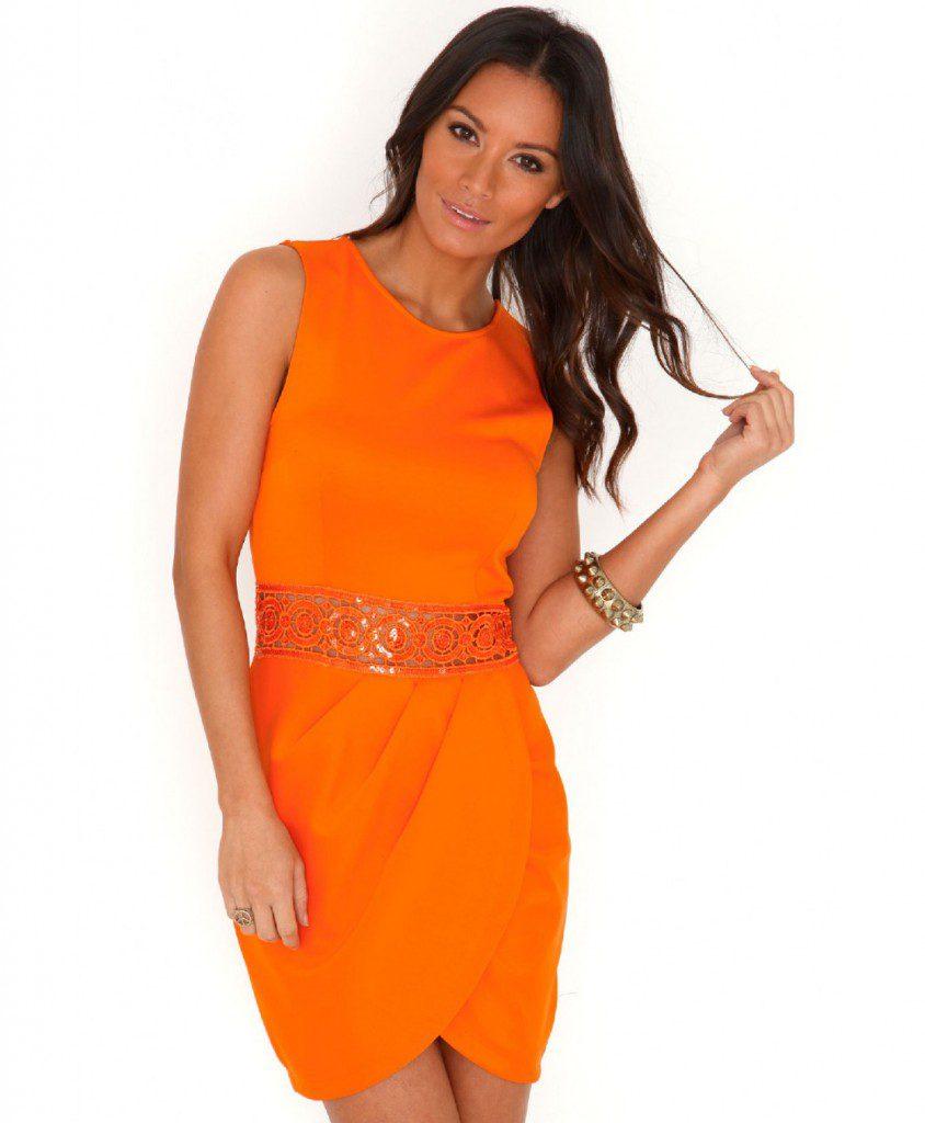 Оранжевое платье для встречи 2017 года Огненного Петуха
