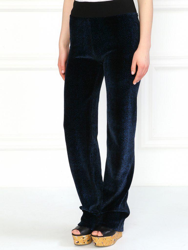 Синие бархатные брюки с принтом