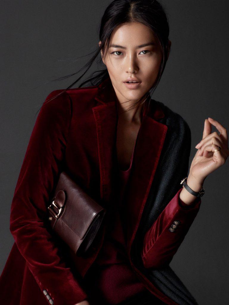 Красный женский бархатный пиджак