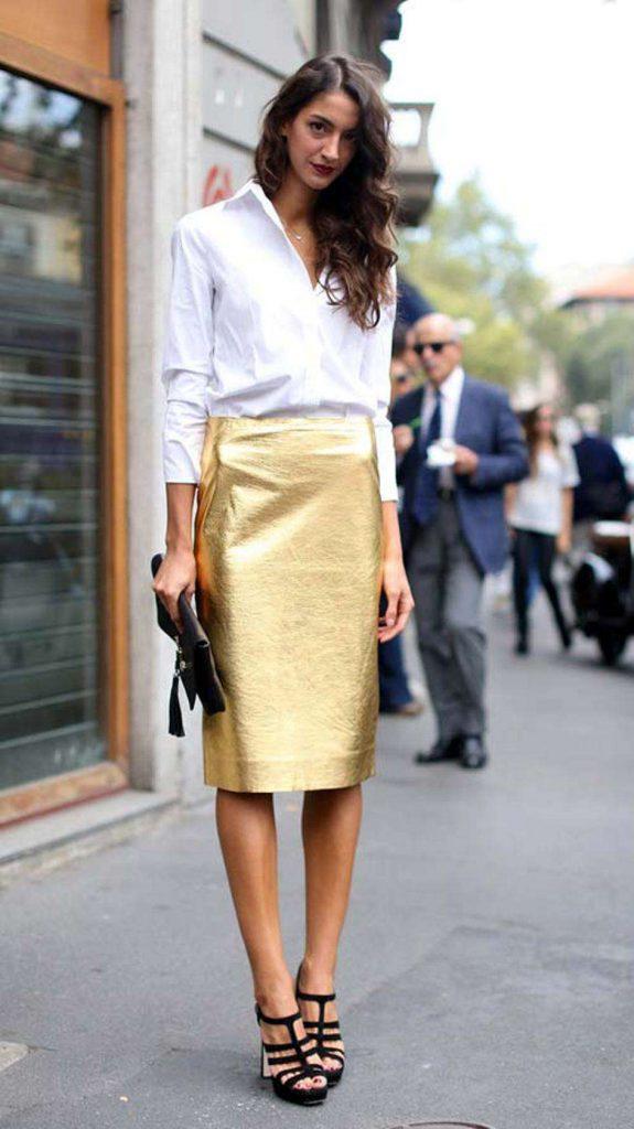 Золотистая блестящая юбка с белой рубашкой
