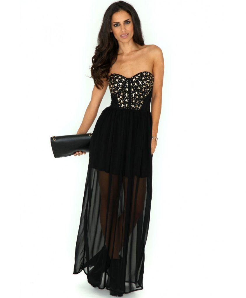 Длинное черное платье с блестящими украшениями