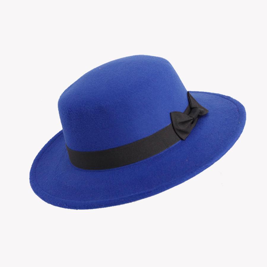 Синяя фетровая шляпа с черной лентой и бантиком