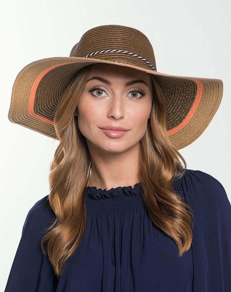 Коричневая шляпа со шнурком
