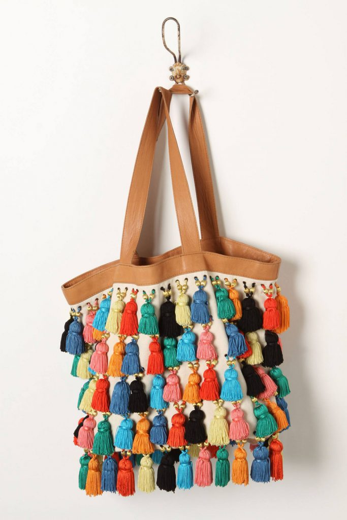 Красивая сумка с кисточками