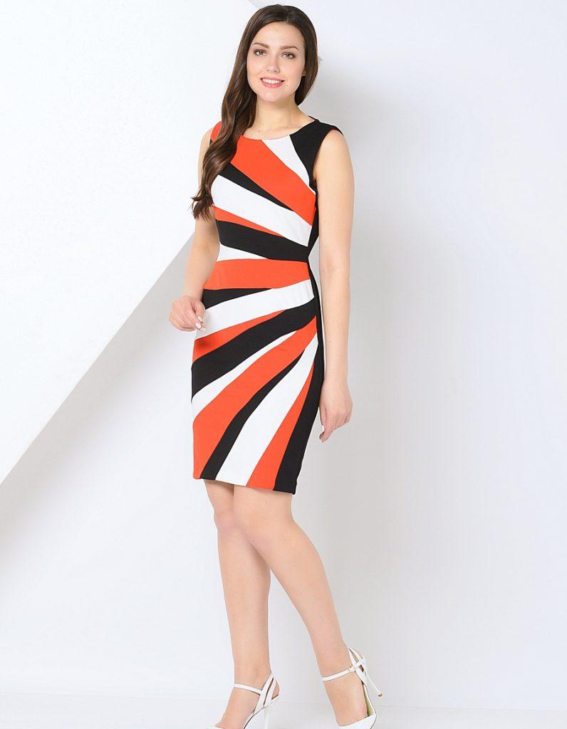 Коралловый, белый и черный цвета в одежде