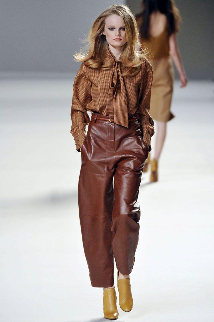 Стильный женский образ в коричневых тонах