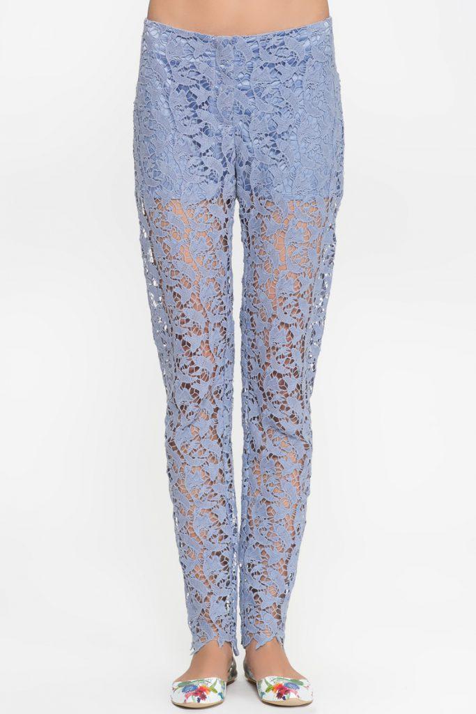 Сиреневые кружевные брюки