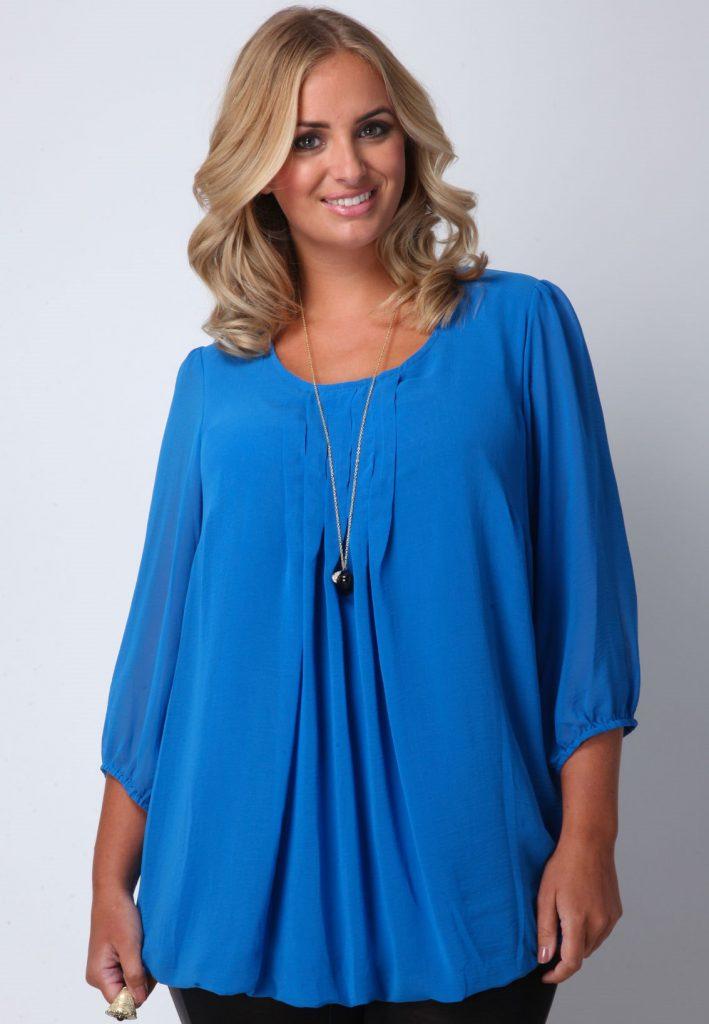 Синяя блузка для полной женщины