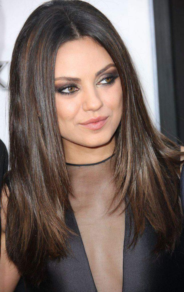 Длинная стрижка на темные волосы для женщины 30 лет