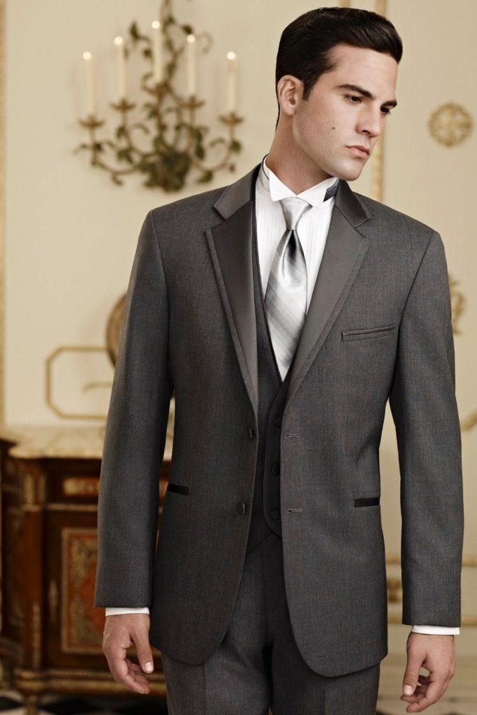 Серый свадебный смокинг