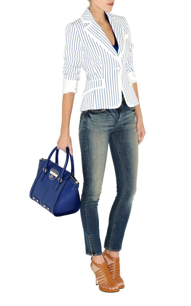 Женский пиджак в полоску в морском стиле с джинсами