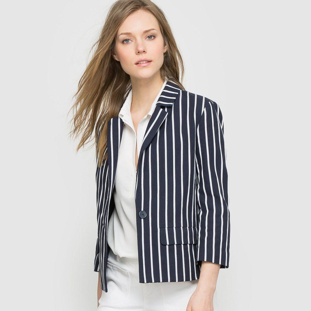 Женский пиджак в вертикальную полоску