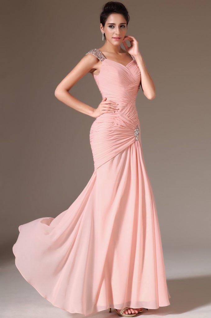 Розовое свадебное платье с камнями
