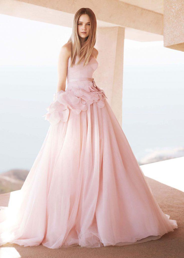 Нежное розовое свадебное платье